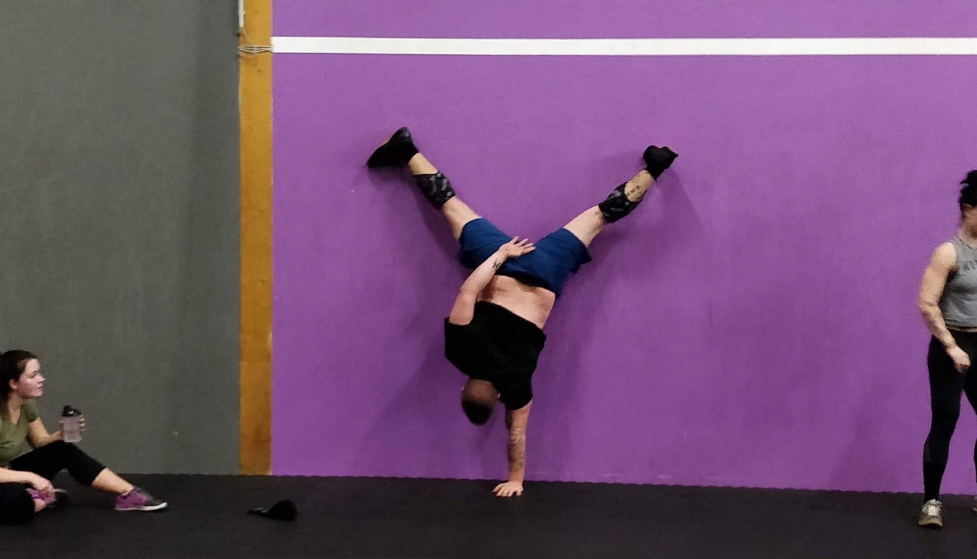 Pierre Handstand